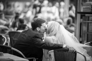bride and goom kissing